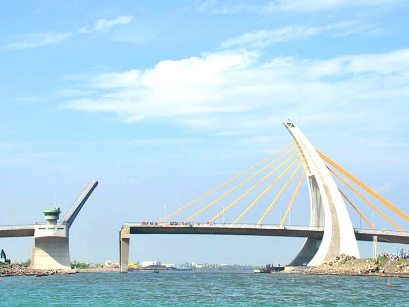 【景點】屏東東港鵬灣跨海大橋 全台唯一開啟式景觀橋