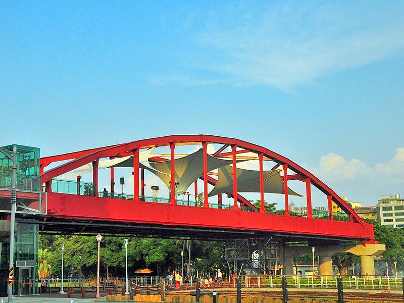 【景點】公園陸橋天空雲台 鐵道文化園區新亮點